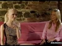 Procace biondo Carol a un Casting di lesbiche Private