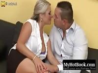 Chaude mature maman éjacule et se fait baiser dur de pas son fils
