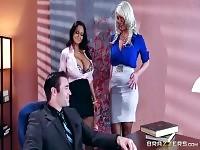 Brazzers Sexy trio au bureau