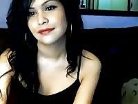 Viso fresco esotico diciottenne brunetta webcam modello chiacchierando ed esporsi
