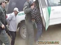 Polizia ragazzo strapon anale per stretto Booty Latina