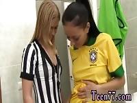 Teen striptease talons et déchirure du joueur brésilien xxx blonde petit déjeuner