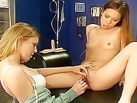 Due pulcini pratica come a raggiungere l'orgasmo migliore