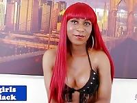 ass toying solo de la transsexuelle gingembre noir déesse