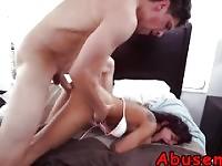 Babe Gina Valentina sexyd Riding Cock petits seins