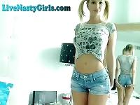 Cochon chaud à queue Webcam Girl Masturbating