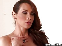 Superbe raide de mec de spitroasting de transsexuels
