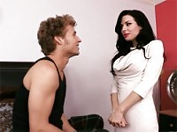 Veronica Avluv grinds her wet panties