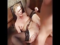 Blondie allemand aime rugueuse