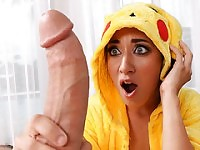 A Wild Pikahoe Appears! First PokemonGo XXX scene!