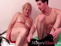 Amateur granny smokes and blows