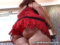 Latina milf Sandra is flaunting her bubble butt and full tits.