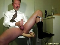Hot daddy cumming in front of the cam