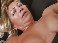 Sarah blonde senior citizen mama picked up monster dick for longing pussy.