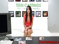 Orgasme teen roughfucked au casting.