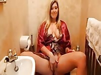 Hot mom does it in bathroom