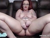 DebrahAnn masturbates on cam for the FIRST TIME.